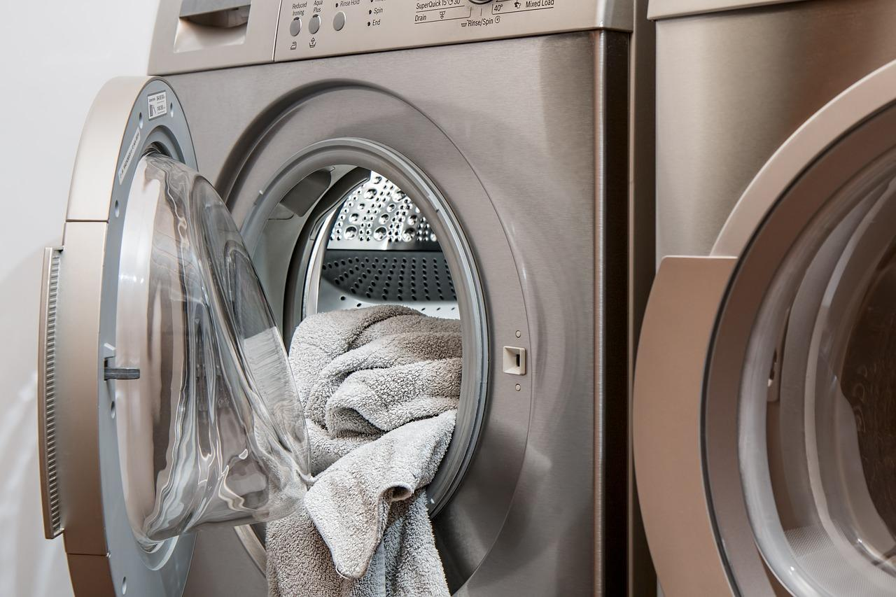 Aprire una lavanderia: le lavatrici