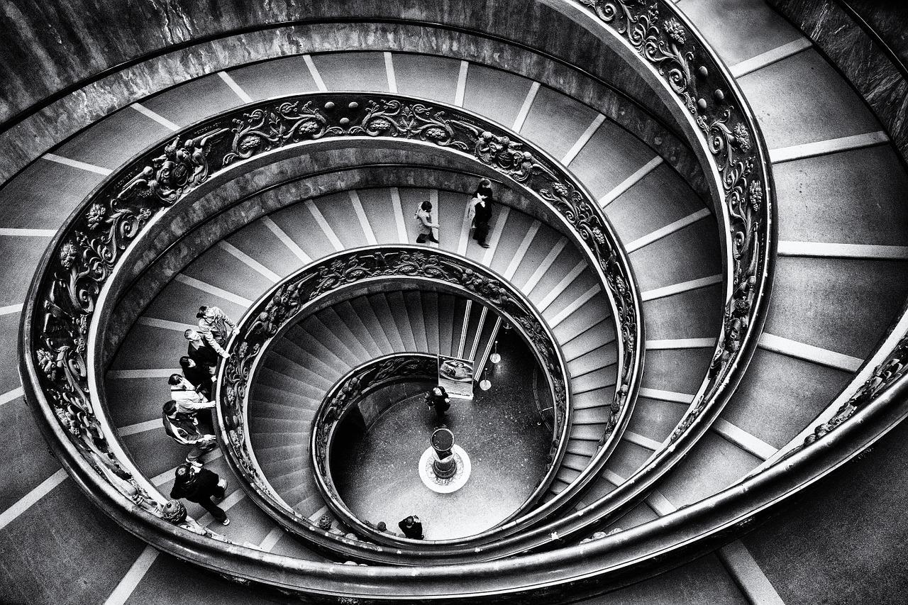 Quando le scale diventano insormontabili: le piattaforme elevatrici
