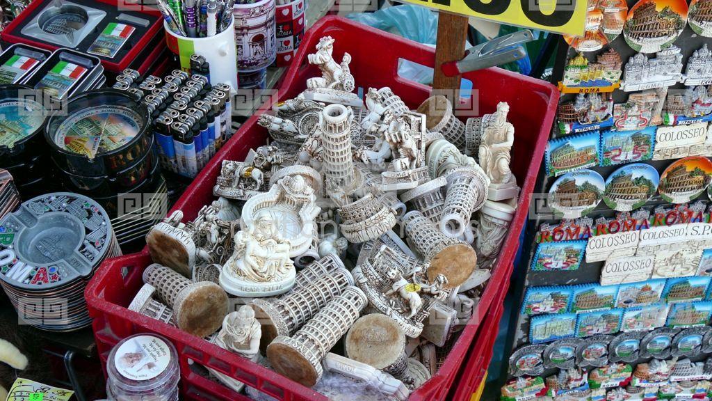 Roma: città d'arte e souvenir