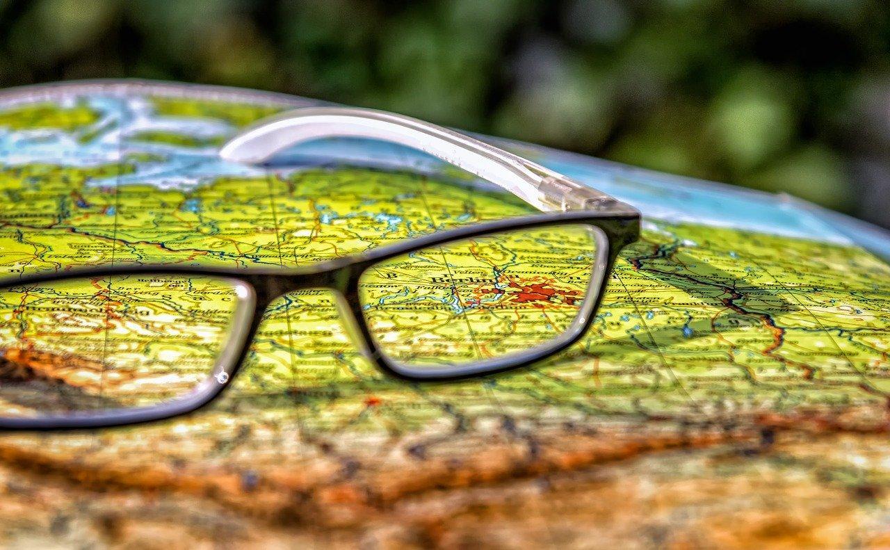 Chi ha inventato gli occhiali da vicino?